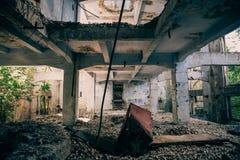 Ruines du vieil stockage ou entrepôt industriel Photo libre de droits