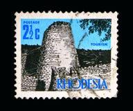 Ruines du Zimbabwe, nouveau serie de Definitives de devise, vers 1970 Image stock