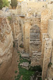 Ruines excavées de la piscine de Bethesda et d'église Photographie stock libre de droits