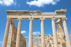 Ruines grecques de temple sur l'Acropole dans un jour d'été à Athènes, G image libre de droits