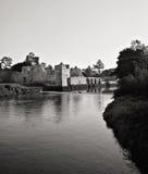 ruines médiévales de château d'adare image stock