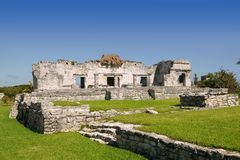 Ruines maya aux monuments de Tulum Mexique Photos libres de droits