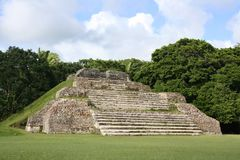Ruines maya d'Altun ha photo stock