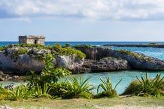 Ruines maya dans le Maya de la Riviera, Cancun, Mexique Paysage Fond de ciel bleu Image libre de droits