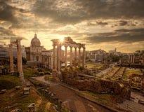Ruines romaines célèbres à Rome, capitale de l'Italie Image stock