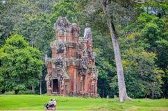 Ruines van antieke tempel binnen Angkor Wat Complex, Siem oogst, Kambodja 1 september, 2015 stock foto