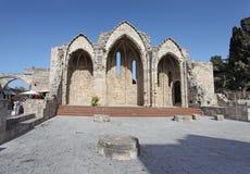 Ruings romanici della basilica in Rhodes Old Town La Grecia Immagini Stock