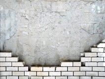 Ruiniert den alten ruinierten Wandziegelsteinstein stockfoto