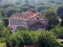 Ruinierte griechisch-orthodoxe Kirche in der Geisterstadt von Kayakoy Turke Stockbilder