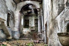 Ruinierte Kirche Stockfotos