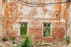 Ruinierte Wand eines Hauses Lizenzfreie Stockfotografie