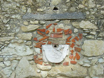 Ruinierter Brunnen lizenzfreie stockbilder