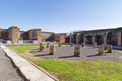Ruinierter Marktplatz in Pompeji Lizenzfreies Stockbild
