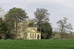 Ruinierter Tempel der Freundschaft auf Hawkwell-Feld in Stowe, Buckinghamshire, Großbritannien stockbilder