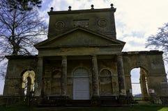 Ruinierter Tempel der Freundschaft auf Hawkwell-Feld in Stowe, Buckinghamshire, Gro?britannien stockbild