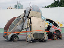 Ruiniertes Autos sculptue an Volvo-Ozeanrennen-Itajaà Sc Brasilien Lizenzfreie Stockfotografie