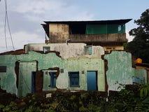 Ruiniertes Haus stockbild