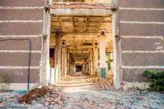 Ruiniertes Industriegebäude der Höhe Lizenzfreie Stockfotografie