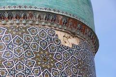 Ruiniertes Teil der Haube von Barak Khan Madrassah Stockfotos