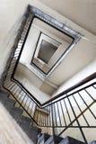 Ruiniertes Treppenhaus in einem Altbau Lizenzfreie Stockbilder