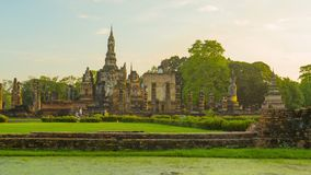Ruins of ancient Buddhist temples in the evening. Thailand, Sukhothai stock video