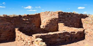 Ancient Hopi pueblo now protected in Arizona`s Homolovi State Park. Ruins of an ancient Hopi ancestral building preserved at Homolovi State Park near Winslow Stock Photos