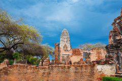 Ruins of buddha statues and pagoda of Wat Ratcha Burana in Ayutt Stock Images