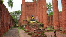 Ruins of a large Buddhist temple. Ayuthaya, Thailand stock video footage