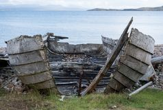 Free Ruins Of Small Boat On The Beach At Polbain, North Of Ullapool. In Background, View Of The Summer Isles, Scotland Stock Photo - 125323810