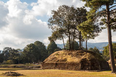 Ruins of the pre-hispanic Mayan town Iximche Royalty Free Stock Images