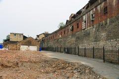 Ruins som väntar för att byggas om arkivbild