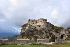 Ruiny średniowieczny fort w Gerace obraz royalty free