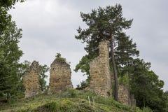 Ruiny średniowieczny kasztel w RoÅ ¼ nà ³ w Obrazy Royalty Free