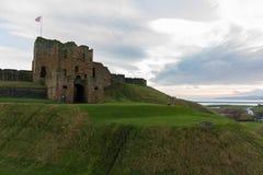 Ruiny Średniowieczny Tynemouth Priory i kasztel wschodnia strona obraz royalty free