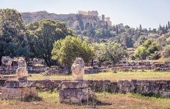 Ruiny agora przegapia akropol, Ateny Obrazy Royalty Free