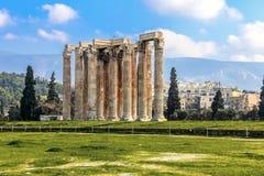 Ruiny antyczna świątynia Zeus, Ateny, Grecja Zdjęcia Royalty Free