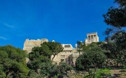Ruiny antyczny akropol Ateny w pogodnym letnim dniu z niebieskim niebem, Grecja, Europa obraz stock