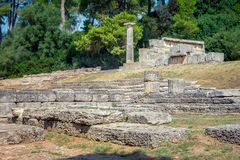 Ruiny antyczny olimpia, Grecja Tutaj bierze miejscu dotyka olimpijski płomień obraz royalty free
