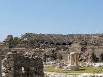 Ruiny antyczny Romański amphitheatre w stronie Zdjęcie Royalty Free