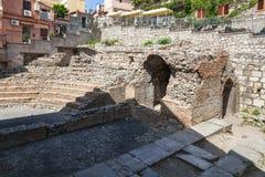 Ruiny antyczny rzymski teatr Odeon w Taormina obraz royalty free