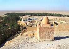 Ruiny Berber wioska blisko halnej oazy Shebika Zdjęcia Stock