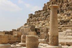 Ruiny blisko ostrosłupów Giza Egipt Obraz Royalty Free