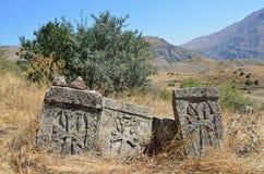 Ruiny budynki i khachkars 5-7 wieków w antycznym monasterze Tsahats-kar w Armenia Obraz Royalty Free