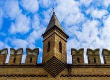 Ruiny ściany Kremlin na tle niebieskie niebo w Ukraina Zdjęcia Stock