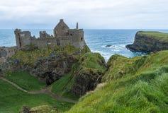 Ruiny Dunluce Roszują w Północnym - Ireland Fotografia Royalty Free