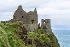 Ruiny Dunluce Roszują w Północnym - Ireland Obraz Royalty Free