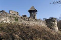 Ruiny Grodowy Nevytske blisko Transcarpathian regionu centrum, Uzhgorod fotografia ruina budować grodowego wieka nevitsky ruiny U Zdjęcie Royalty Free
