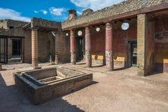 Ruiny Herculaneum, antyczny rzymski miasteczko niszczący Vesuvius e zdjęcie royalty free