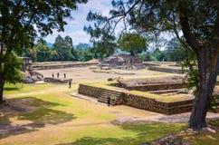 Ruiny Iximche Gwatemalski Krajowy zabytek - Majski kapitał - obraz stock