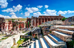 Ruiny Jupiter świątynia i wielki sąd Heliopolis w Baalbek, Bekaa dolina, Liban Zdjęcie Stock